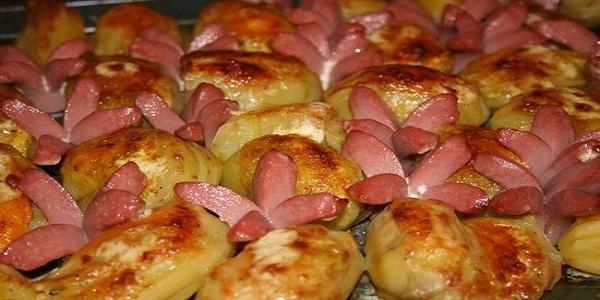 Как приготовить картошку с сосиской в духовке рецепт